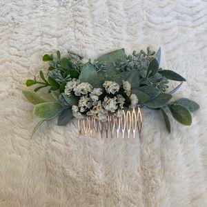 Bridal Faux Floral Eucalyptus & Baby's Breath Comb